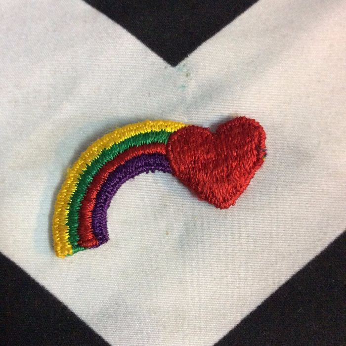 PATCH HALF RAINBOW & HEART *soft *old stock 1