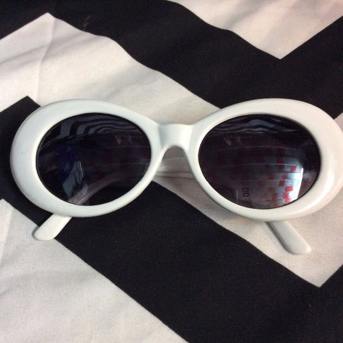 Sunglasses 1960s White Plastic Frames 1