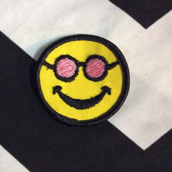 BW PATCH- SMILEY FACE SUNGLASSES 1