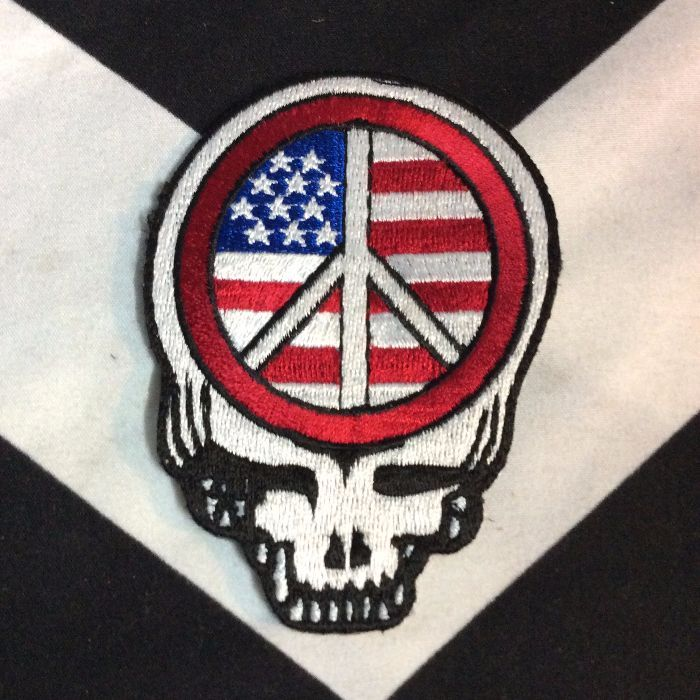 BW PATCH-DEAD HEAD AMERICAN FLAG PEACE 1
