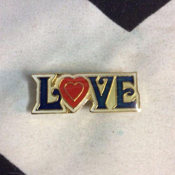 BW PIN- LOVE- 183 1