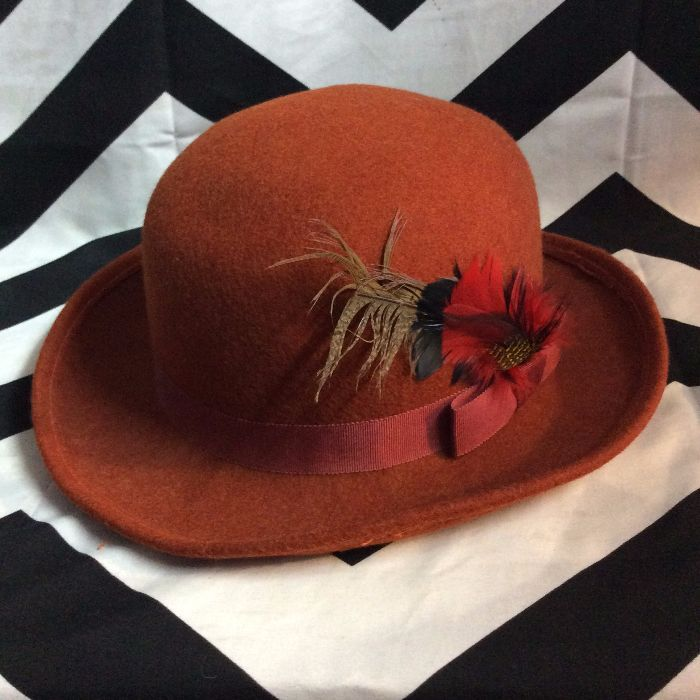 LITTLE WOOL FELT HAT WITH FEATHERS 5