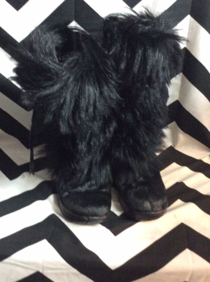 SHAGGY GOAT FUR BOOTS RUBBER SOLE FEATHER BAND as-is 2