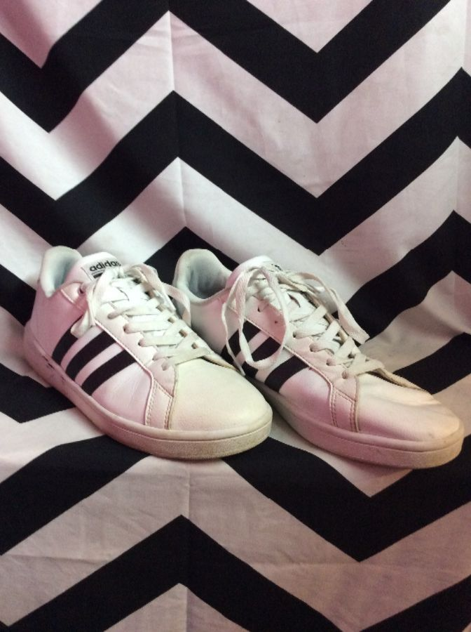 CLASSIC LEATHER ADIDAS TENNIS SHOES 1