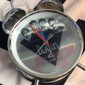 1988 BEATLES OLD FASHIONED ALARM CLOCK working 1