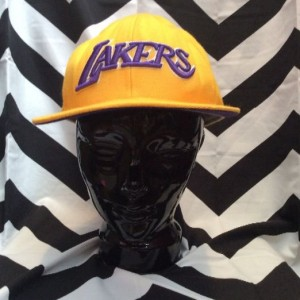 LAKERS CAP HAT YELLOW AND PURPLE 1