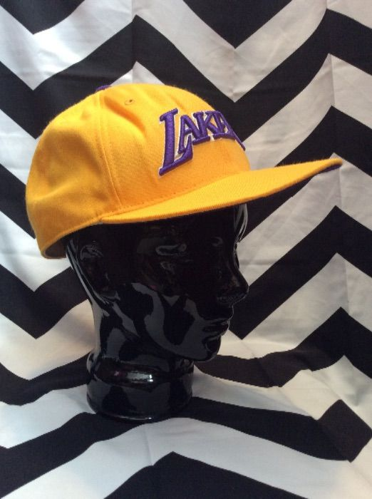 LAKERS CAP HAT YELLOW AND PURPLE 3
