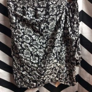 BLACK AND WHITE FLOWER PRINT WRAP SKIRT 1