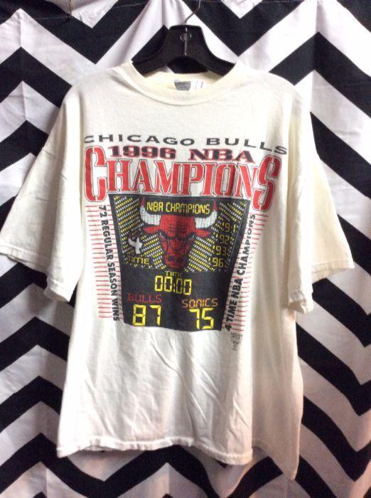 2e2766f6b44 1996 CHICAGO BULLS NBA T-SHIRT » Boardwalk Vintage