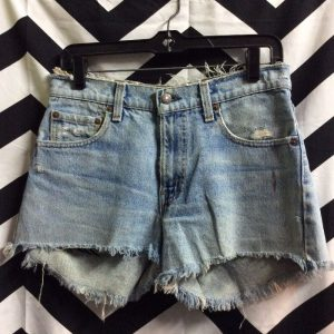 LEVIS CUTOFF SHORTS DISTRESSED RIP IN BUTT 1