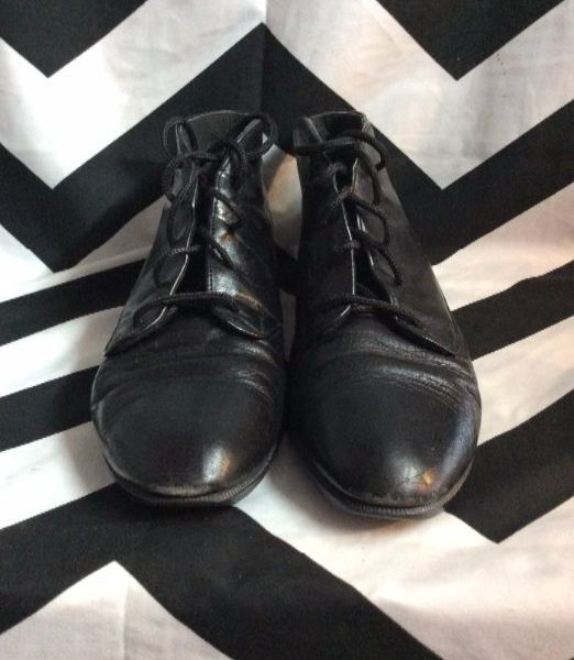 product details: MUNRO LEATHER SHOES – LACE-UP photo