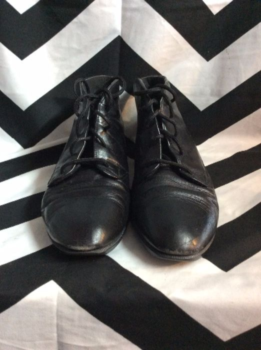 MUNRO BLACK LACE LEATHER SHOES 1