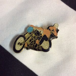 PIN MOTORCYCLE RIDER SKELETON DYING 1