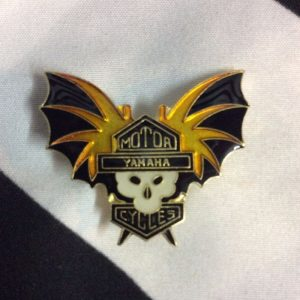PIN YAMAHA MOTORCYCLES SKULL BAT WINGS 1