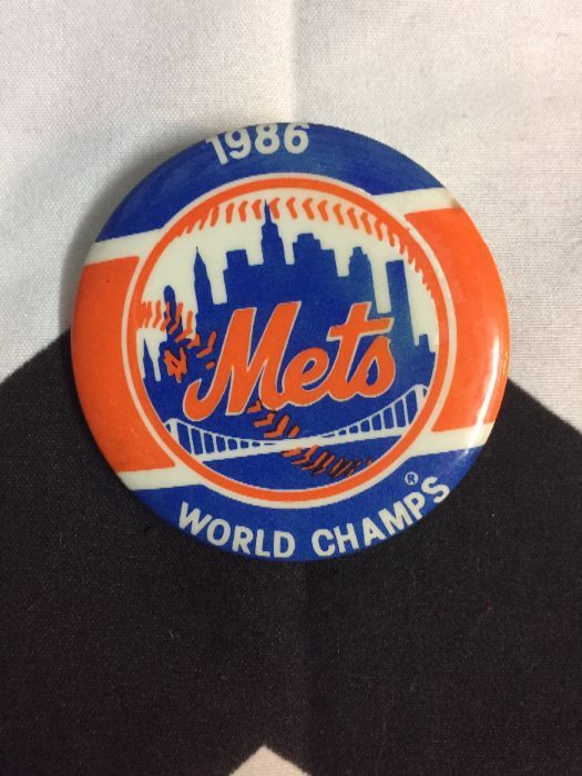 product details: 1986 NEW YORK METS BUTTON - WORLD CHAMPS photo