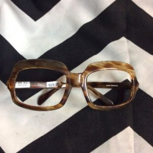 FUNKY RETRO WOOD GRAIN FRAMES 1