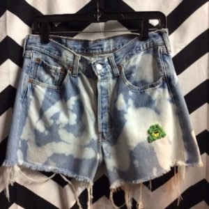 LEVIS SHORTS FROG PATCH BLEACHED 31 32 1