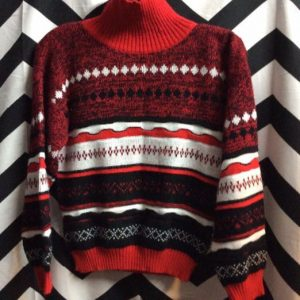PULLOVER TURTLE NECK SWEATER CROPPED 1