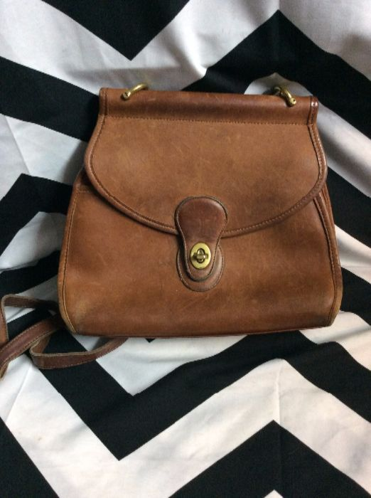 5c0b6e37c8a8a VINTAGE COACH PURSE - LEATHER - BUTTERY SOFT W BRASS HARDWARE ...