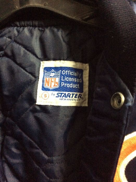 590f5820 BASEBALL STYLE JACKET - SATIN - CHICAGO BEARS - NFL PATCH - STRIPED SLEEVES