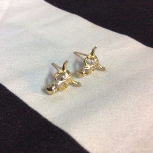 COW SKULL HEAD STUD EARRINGS 1