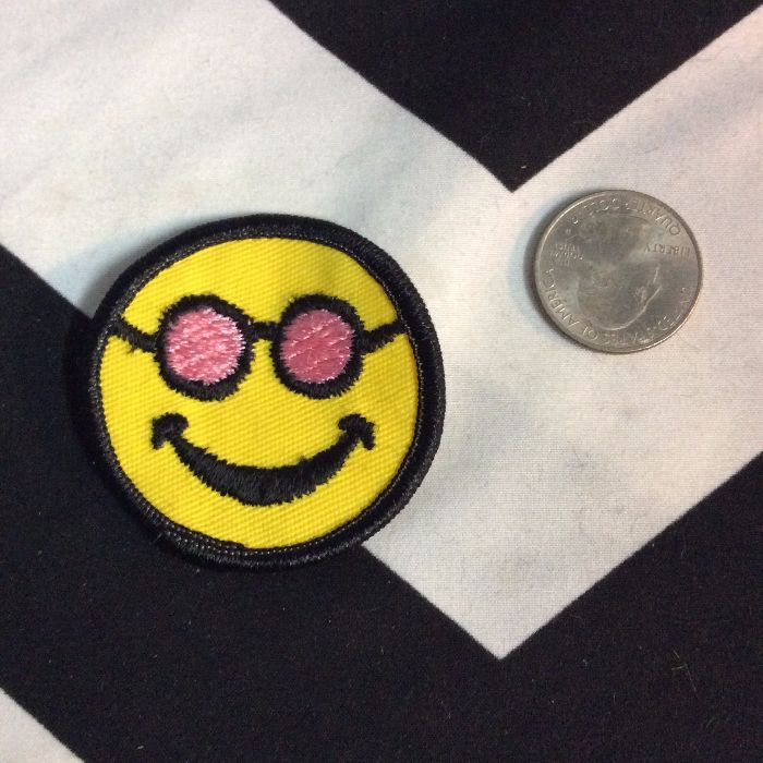 BW PATCH- SMILEY FACE SUNGLASSES 2