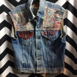 VEST Denim Levis Cut Sleeves Paisley Chest and Back Patches Painted Pockets 1