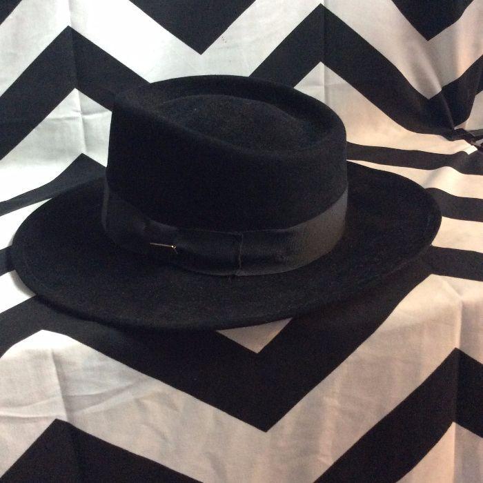 7723d1de54e5e 1940 S VINTAGE DOBBS HAT - WOOL - FEDORA W WIDE BRIM » Boardwalk Vintage
