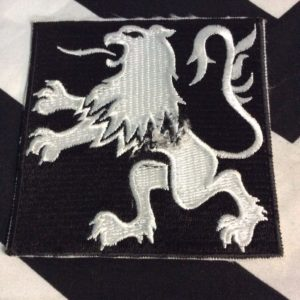 PATCH- RENAULT EMBLEM LION BLACK LARGE SQAURE *OLD STOCK 1