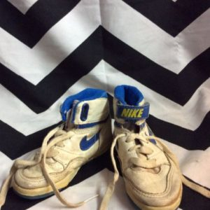 LITTLE VINTAGE NIKE SNEAKERS AIR JORDAN made in Korea As-is 1