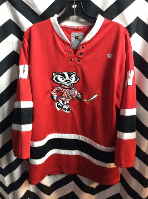 HOCKEY JERSEY - WISCONSIN BADGERS - NCAA - EMBROIDERED MASCOT DESIGN ... ed34e4046ad