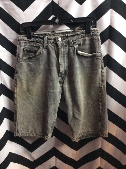 Faded Black Levis 550 orange tab shorts 1