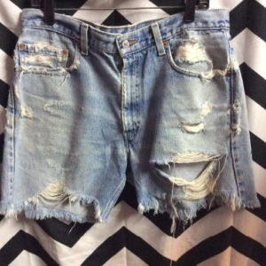 Perfectly Destressed Levis 505 shorts 34 1