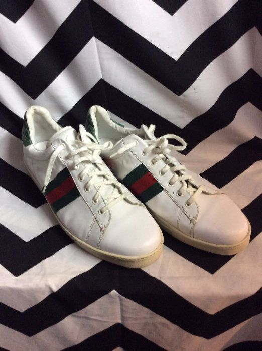 280cf48eae7 GUCCI TENNIS SHOES – LEATHER – LOW TOPS – LACE-UP – COLORED CROCODILE TRIM
