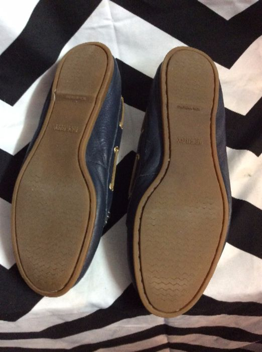 SLIP-ON LEATHER BOAT SHOES TASSELS 3