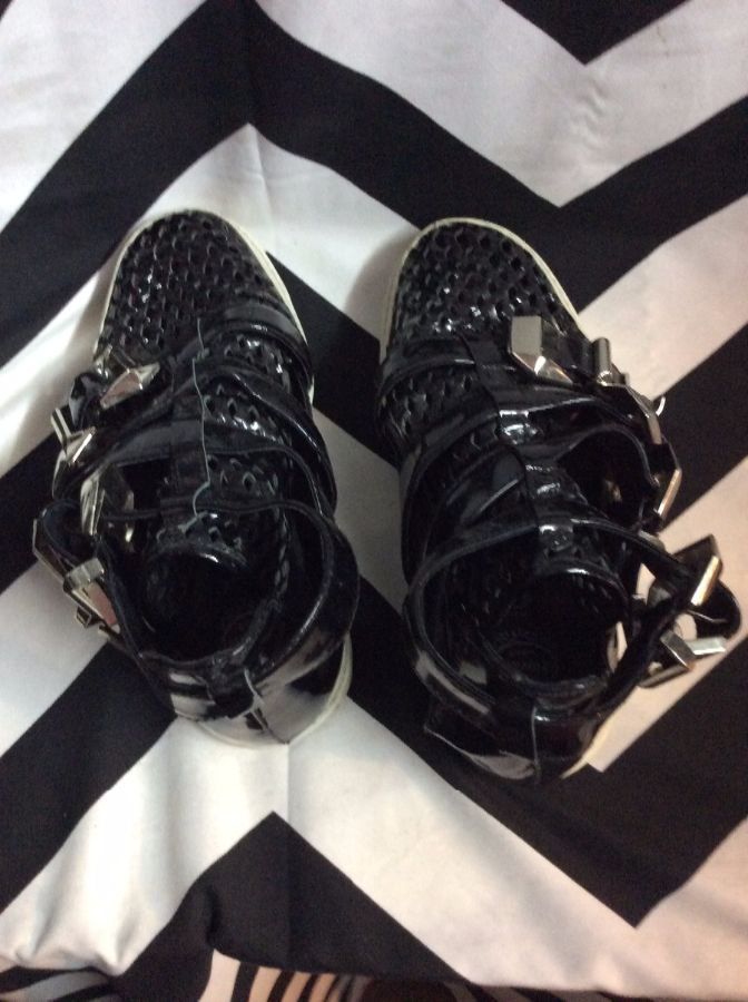 Four Buckle Straps High Top Mesh Toe Pleather 3