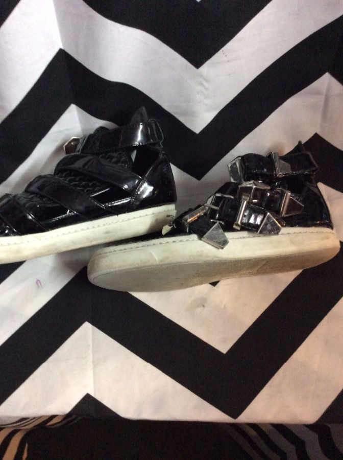 Four Buckle Straps High Top Mesh Toe Pleather 2