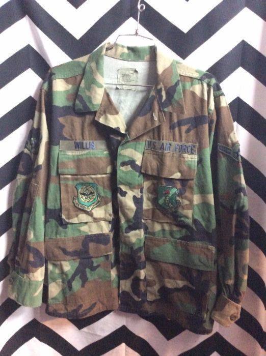 SHIRT - US AIR FORCE - CAMO PRINT DESIGN - W/MILITARY PATCHES