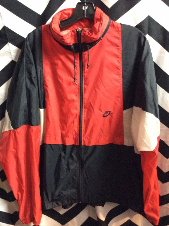 212b724ec788 NIKE WINDBREAKER JACKET – ZIP-UP – JORDAN COLORS – COLOR BLOCK DESIGN –  GRAY TAG