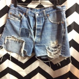 LEVIS SHORTS W/ PATCH & HEAVY FRAY 501XX 1
