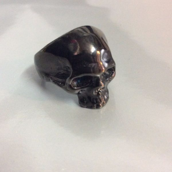 product details: HEAVY BRASS SKULL RING photo