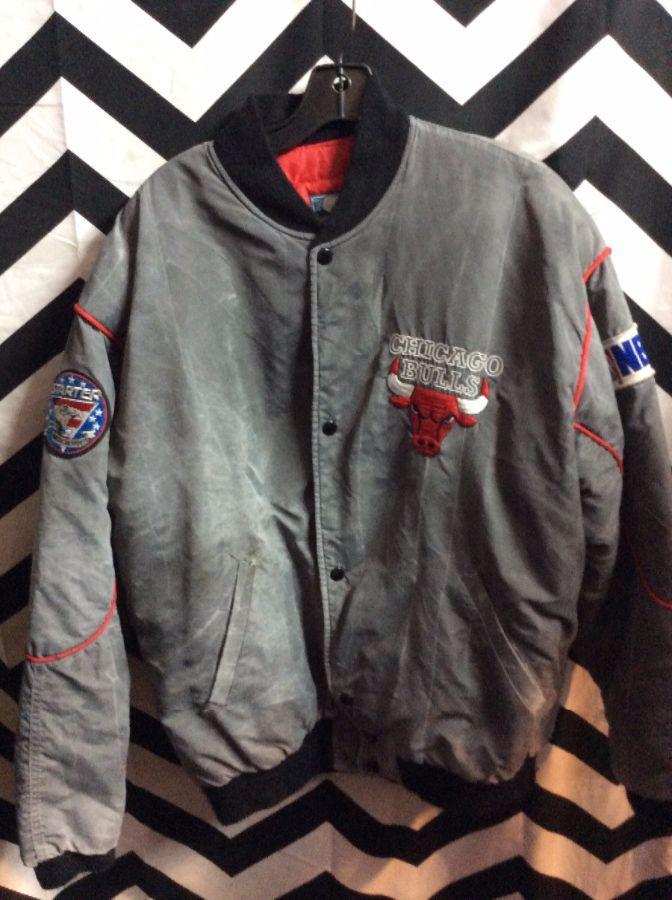 3b4af75a039f VINTAGE Stone Wash STARTER NBA CHICAGO BULLS jacket USA » Boardwalk ...