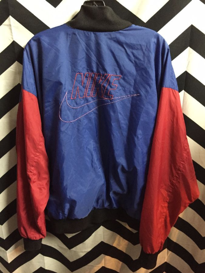 cec851bdb1 Nike colorblock windbreaker grey tag w  large nike embroidered logo on back  2