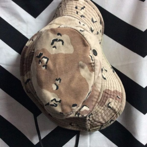 7ac87867571bd 1986 HAT - BUCKET STYLE - MILITARY ISSUED - DESERT CAMO DESIGN ...