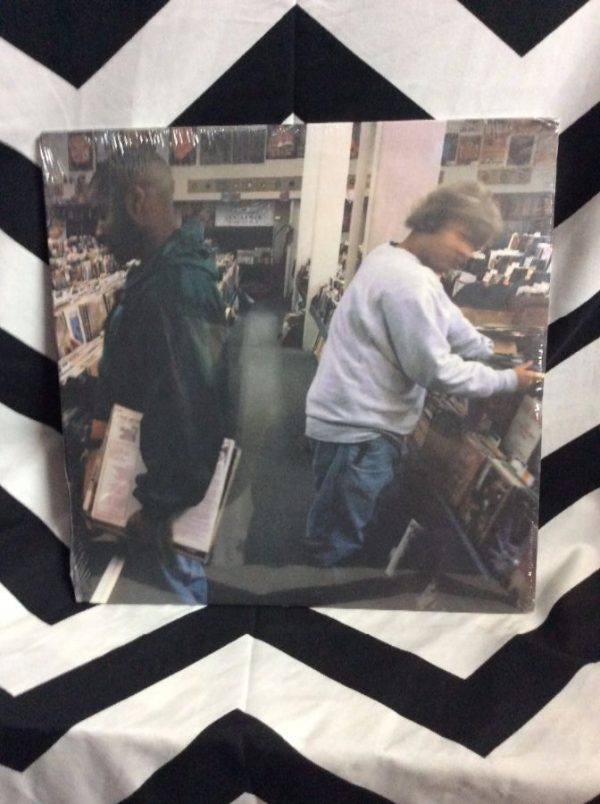 product details: BW VINYL RECORD - DJ SHADOW -  ENDTRODUCING photo