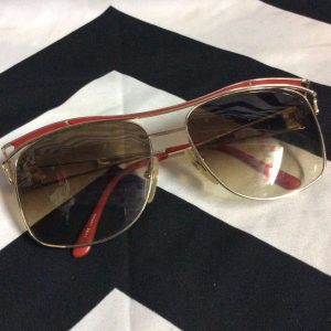 RETRO SUNGLASSES RED GOLD TRIM SINGLE LOGO LEFT 1