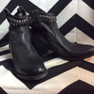 LOW STUDDED LEATHER BOOTS FRYE 1