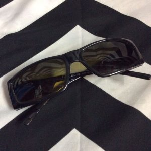 TOTALLY 90S GUCCI SUNGLASSES RECTANGLE SHAPE 1