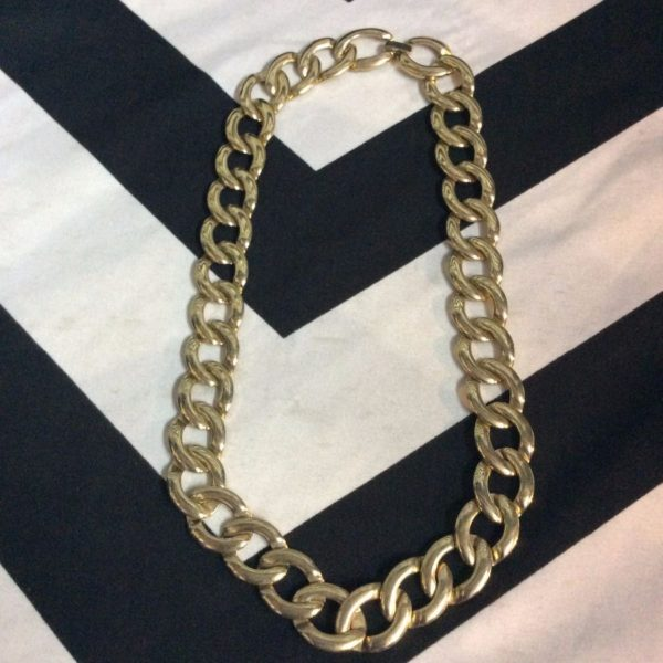 product details: GOLD LINK CHOKER photo