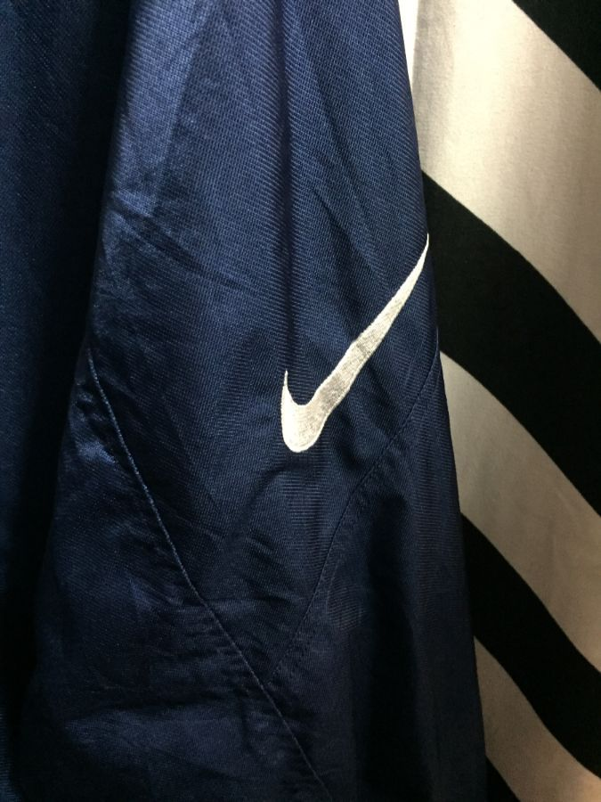 Rare Japanese Nike Zipup jacket w  removable hood and purple thermal lining  3 dacb4080e